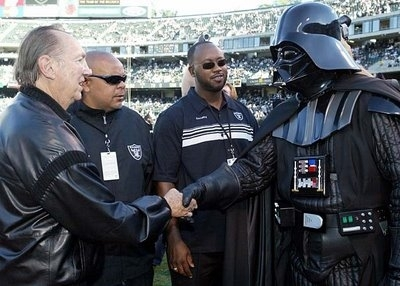 al%20davis%20and%20darth.JPG