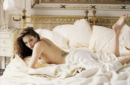 angelina-jolie-wanted-clip-07.jpg