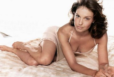 ashley_judd_slip.jpg