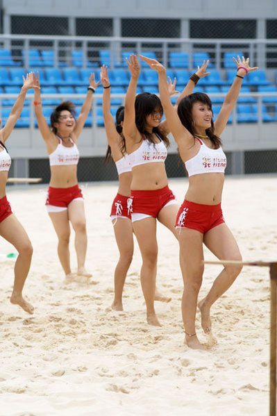olympic%20cheerleaders.jpg